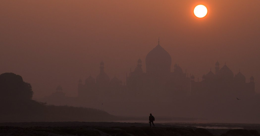 To Rid the Taj Mahal of Its Grime, India Prescribes a Mud Bath
