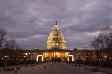 Shutdown Goes Into Monday as Senate Inches Toward Deal
