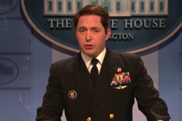 Overheated 'Doc' Gushes About Trump's Rockin' Bod On 'Saturday Night Live'