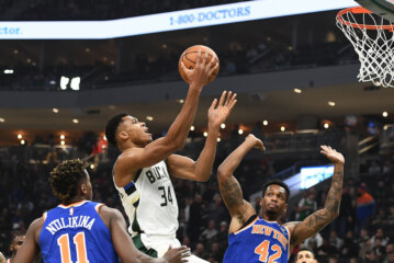 Knicks' Late Rally Falls Short Against Bucks
