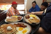 Shares of Denny's skyrocket 25% after it announces plan to sell stores
