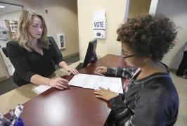 Early voter turnout for U.S. midterm elections trounces previous years — especially among youth – National