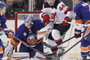 Islanders, With Shutout From Greiss, Beat Devils for 5th Straight Win