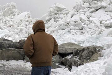 Watch As Lake Erie Sends A Massive 40-Foot 'Ice Tsunami' Crashing Ashore
