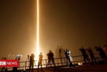 SpaceX: Nasa astronaut capsule demo takes to the skies