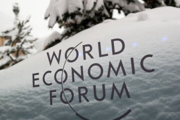 DealBook Briefing: What Will Trump Do in Davos, if He Comes?
