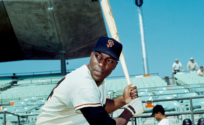 Willie McCovey, 80, Dies; Hall of Fame Slugger With the Giants