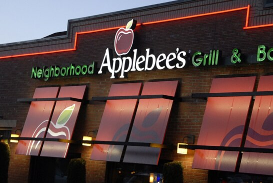 Applebee's is turning its business around, a $1 cocktail at a time