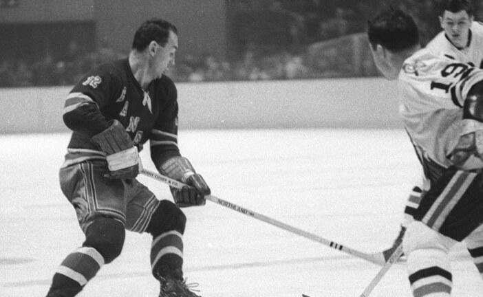 Andy Hebenton, N.H.L. Ironman with 630 Consecutive Games, Dies at 89