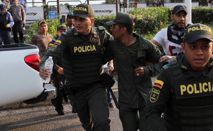Desertions Reflect Discontent With Maduro, but Not Enough to Topple Him